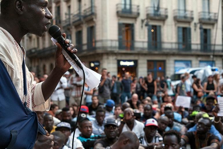 010_Ibrahima Seydi Retrato_Speak_Puerta_Ayuntamiento - Mani Top Manta [08.08.2015]_web
