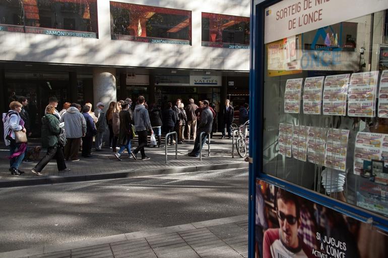 05_Valdés Loteria Cola Ramblas_Raval Street